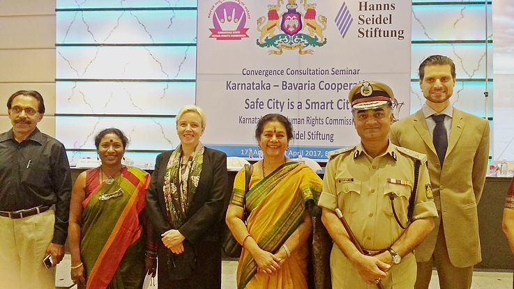 Dr. P.M. Nair, IPS (retd.); Brinda Adige, Director NGO Global Concerns India; Dr. Susanne Luther, Director Institute for International Cooperation, HSF; Meera Saksena, Chairwoman Karnataka State Human Rights Commission; R. K. Dutta, DG & IGP, Karnataka State Police; Volker L. Plän, Resident Representative, HSF India