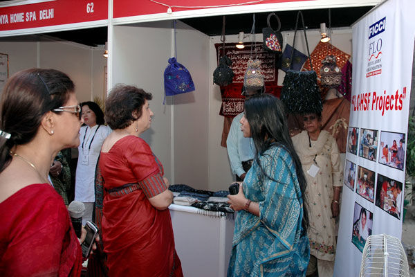 FLO–HSF Information Stand at FLO Bazar: Shipra Chaterjee, FLO; Dr. Kiran Walia, Health Minister, Delhi Government; Mona Gupta, Director, Sutradhara